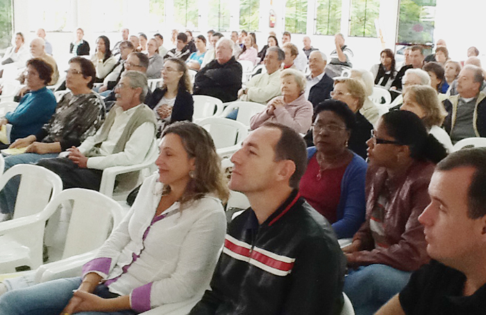 Culto na Comunidade de Itapema tematiza o Programa Ambiental Galo Verde.